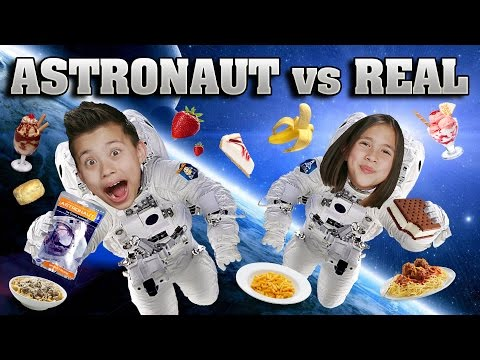 ASTRONAUT FOOD vs. REAL FOOD CHALLENGE!!! Outer Space Taste Test! (видео)