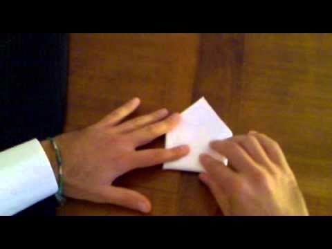 Come piegare il fazzoletto da giacca - A triangolo.mp4