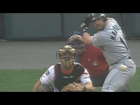 Video: 1997 ALDS Gm4: Edgar hits his 2nd homer of the series