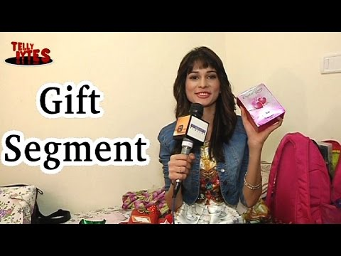 Aneri Vajani receives Birthday gifts Part 01