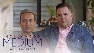 Video Ross Mathews Freaks Over Fishy Details | Hollywood Medium with Tyler Henry | E! MP3, 3GP, MP4, WEBM, AVI, FLV September 2018