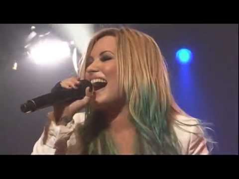 Demi Lovato - Give Your Heart A Break (endfest 2012)