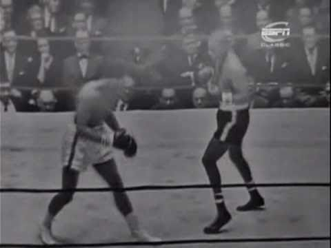 Cassius Clay - Cassius Clay vs Doug Jones - Cassius Clay faces Doug Jones as a last step towards the heavyweight championship, he would still fight once more before challen...