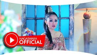 Video Siti Badriah - Satu Sama (Official Music Video NAGASWARA) #music MP3, 3GP, MP4, WEBM, AVI, FLV September 2018