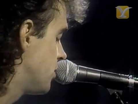 1987 - En pleno furor del rock latino, los argentinos de SODA STEREO llegan al Show del Festival Internacional de la Canción de Viña del Mar 1987...Encuentra más vi...