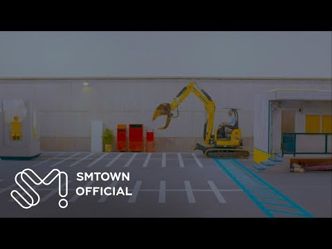 SHINee's Jonghyun drives a bulldozer in
