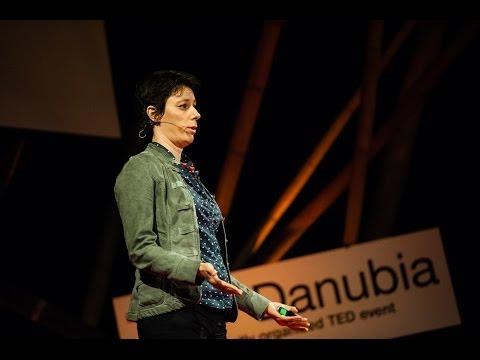 Társadalmi jetleg és az alváshiány: Horváth Ágnes at TEDxDanubia 2014