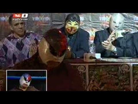 Polémica de Fuerza Guerrera y el Hijo del Santo en conferencia de prensa (24-04-2012)