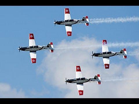 Parade de l'aviation militaire pour Yom Haatsmaout