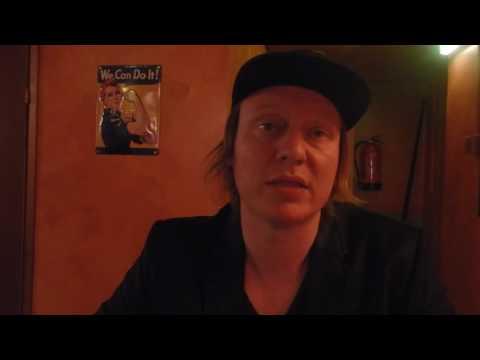 Haastattelussa Jaajo Linnonmaa – Luokkakokous 2 -pressitilaisuus 27.10.2016 tekijä: Jouni Hakkarainen