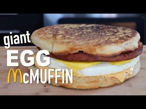 How to Make a Giant McDonald  s Egg McMuffin SandwichDIY GIANT EGG