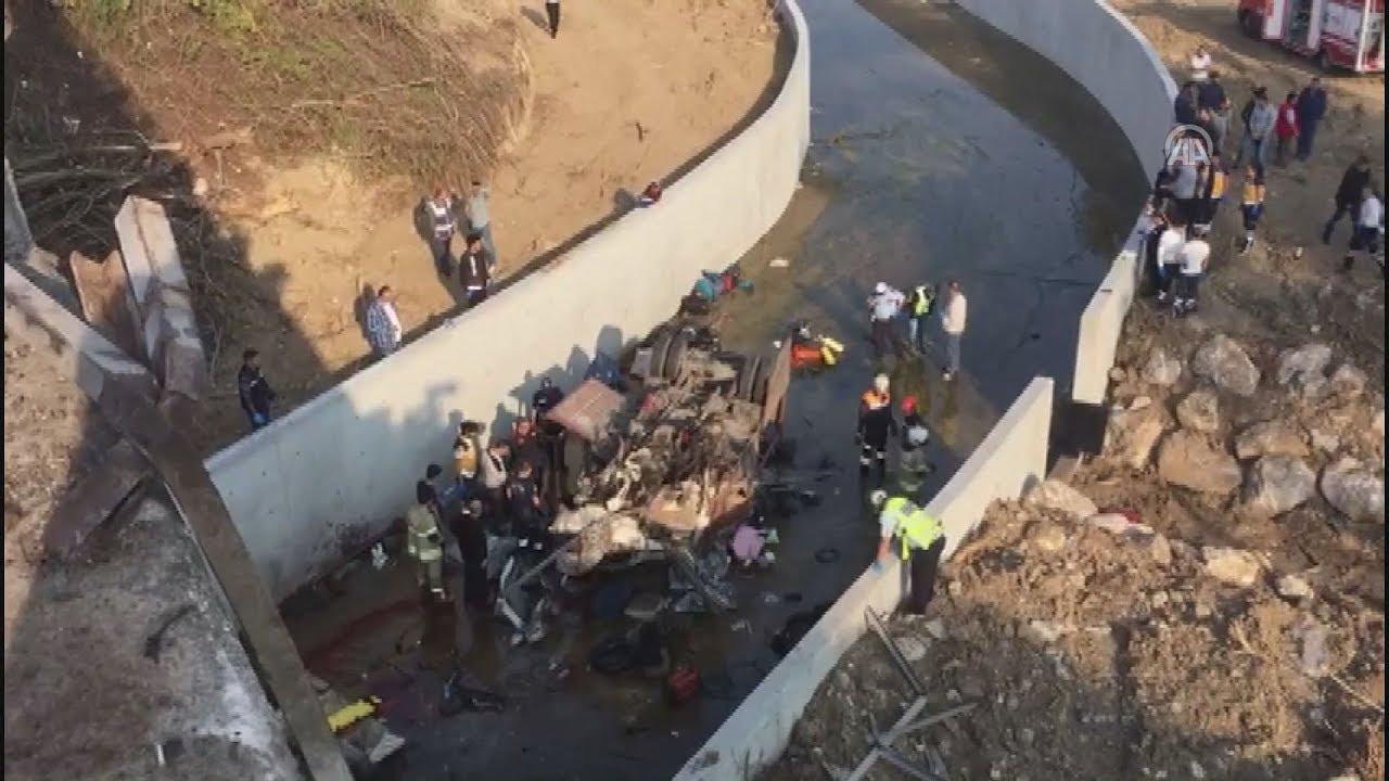 Τουρκία: Τουλάχιστον 19 νεκροί, μεταξύ τους και παιδιά, από ανατροπή φορτηγού με μετανάστες