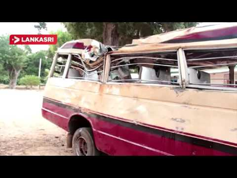 Mini-bus-accident-in-Mannar