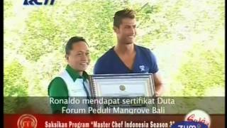 Video Cristiano Ronaldo Bertemu Kembali Dengan Martunis Di Bali MP3, 3GP, MP4, WEBM, AVI, FLV April 2019