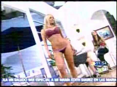 Esperanza Gómez posando en lencería