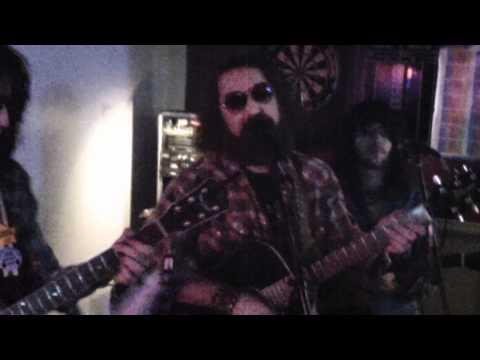 Bennie James and the repeating arms at Luckys#34  white lightning