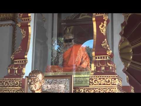 monaco morto da 90 anni, non si decompone, gli crescono ancora i capelli