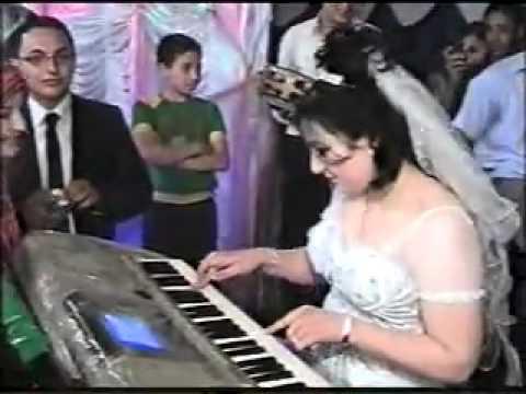 عروسه تعزف انت عمرى ..... اهداء راديو اولاد صقر أف إم