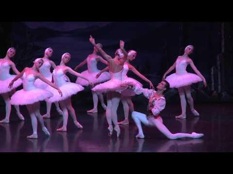 """""""Le lac des cygnes"""" par le ballet par le Ballet de Saint Pétersbourg"""