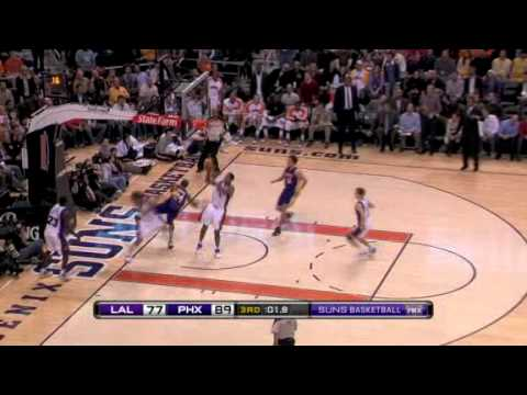 Kobe Bryant blocked by Robin Lopez