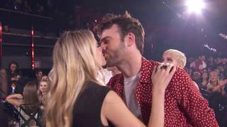 Video The Chainsmokers + Halsey Acceptance Speech