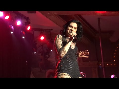 Jessie J - Think About That / Do it like a Dude ( LIVE )