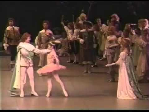 3-aurora entrance-Miyako Yoshida-Sleeping Beauty Act1