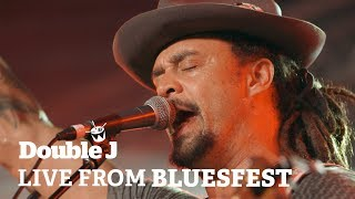 Michael Franti – Flower In The Gun (live at Bluesfest)