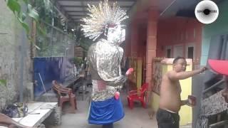 AMAZING.. !!!! Ondel ondel Betawi Dance.