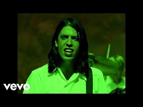 Tekst piosenki Foo Fighters - I'll stick Around po polsku