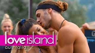 Download Video Villa games: Every hole's a goal | Love Island Australia 2018 MP3 3GP MP4