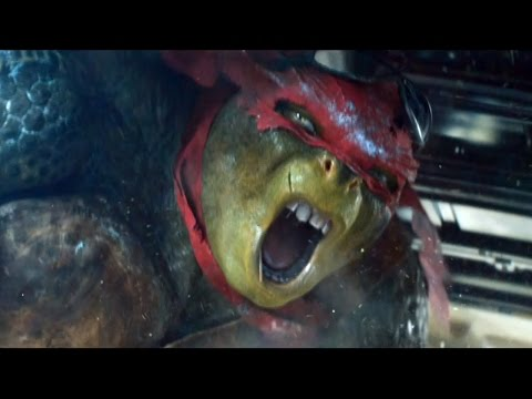 Teenage Mutant Ninja Turtles Clip 'Sneaking In'
