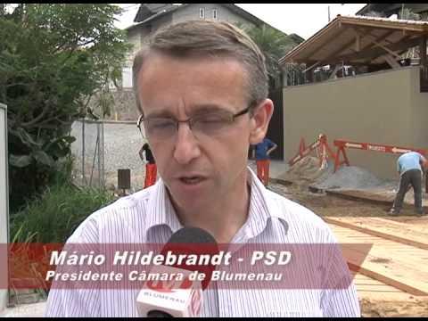 Vereador Mário Hildebrandt acompanha reconstrução de ponte na rua Tobias Barreto