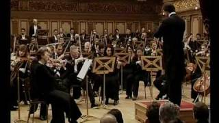 David Giménez Carreras dirige Aragonese de Carmen (Bizet). Diciembre 2005. Bucarest. George Enescu Bucharest Philharmonic Orchestra. Romanian ...