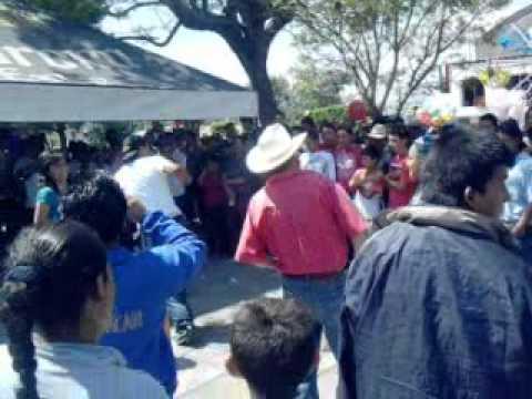 Tenencia Morelos 2010 fiestas de octubre dia 8 banda  temochis y banda ola azul