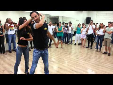 Aprenda a dançar sertanejo universitário