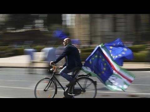 Μαζική διαδήλωση υπέρ μιας ενωμένης Ευρώπης στη Ρώμη