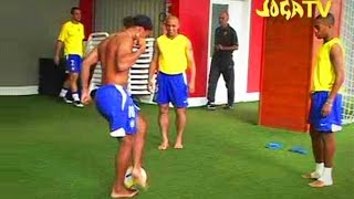 Video Joga Bonito Compilation ● ft. Ronaldinho, Ronaldo, Cristiano Ronaldo, Zlatan Ibrahimovic MP3, 3GP, MP4, WEBM, AVI, FLV Juni 2018