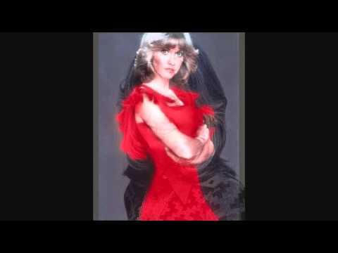 Tekst piosenki Olivia Newton John - I'm A Small And Lonely Light po polsku