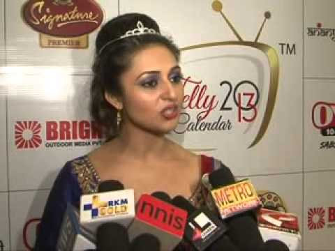 Ragini Khanna, Gorgeous Desi Babes  plunging necklines at launch of Telly Calandar 2013