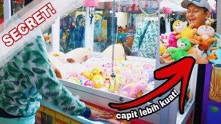 Video Trick Tersembunyi Capit Boneka MP3, 3GP, MP4, WEBM, AVI, FLV April 2019
