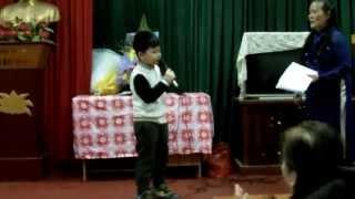 Cháu Nhỏ Hát Chúc Mừng Mùng 8/3/2013 Các Bà, Các Mẹ Tổ Dân Phố 7