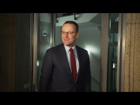 Jens Spahn (CDU): Kinderlose sollen mehr für Pflege e ...