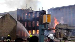 Halifax United Kingdom  city images : Fire in Halifax UK 19/06/2010 (Pellon) VID1