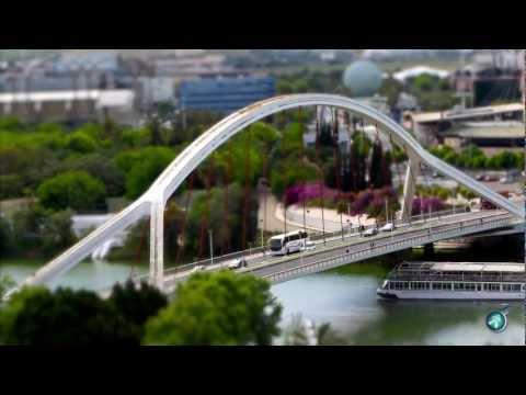 Sevilla Videos: Andalusiens Hauptstadt  von oben und mitten drin!