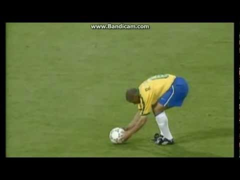 Roberto Carlos Best Goal - Free Kick Goal vs France (Tournoi de France 1997)