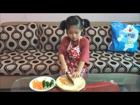 Khi bé vào bếp   SGA Nguyễn Văn Hưởng   Nguyễn Tôn Phương Nhi   KimBab