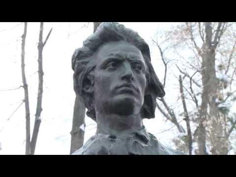 Președintele Igor Dodon a depus flori la bustul marelui poet Mihai Eminescu