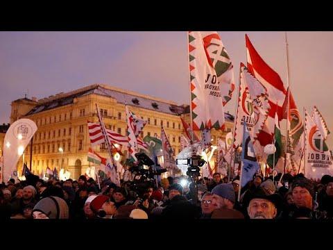 Ungarn: 10.000 demonstrieren gegen Orbans