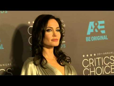 Critics Choice Awards 2015: Angelina Jolie Red Carpet